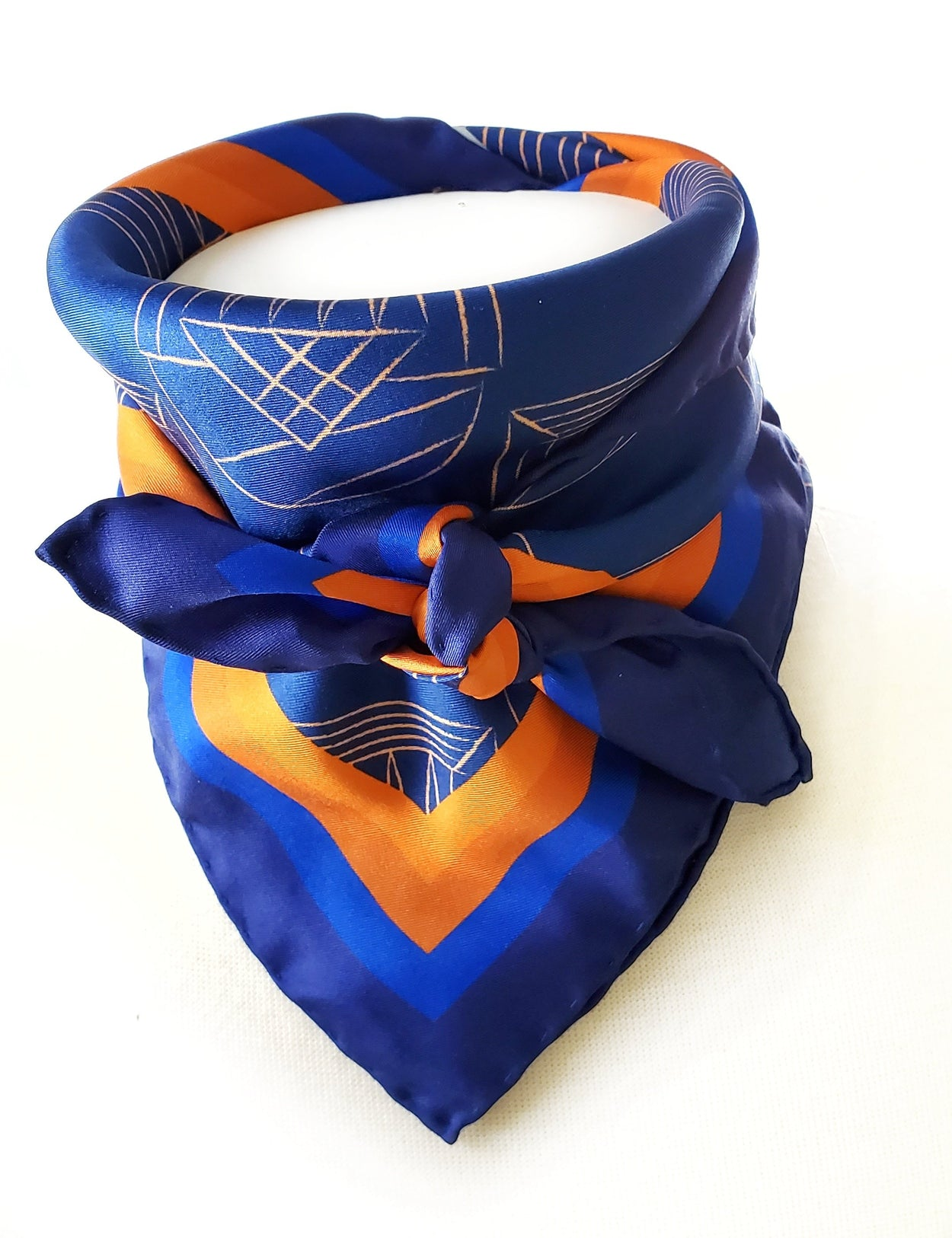 Charlottesville Rotunda UVA Silk Twill Carré Scarf - Navy Blue