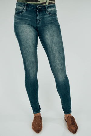 Mya Dominican Medium Wash Jeans