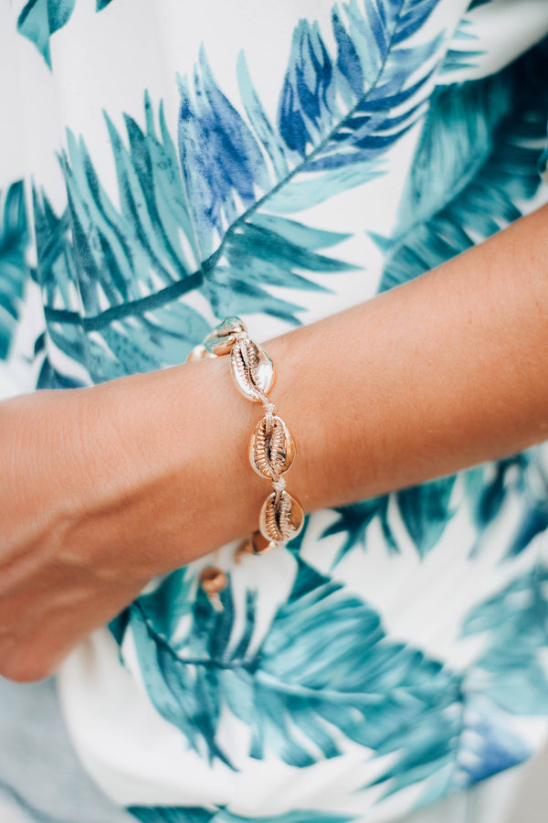 Seaside Siren Gold Shell Bracelet