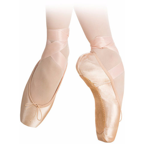 Nova Full, Pointe Shoes