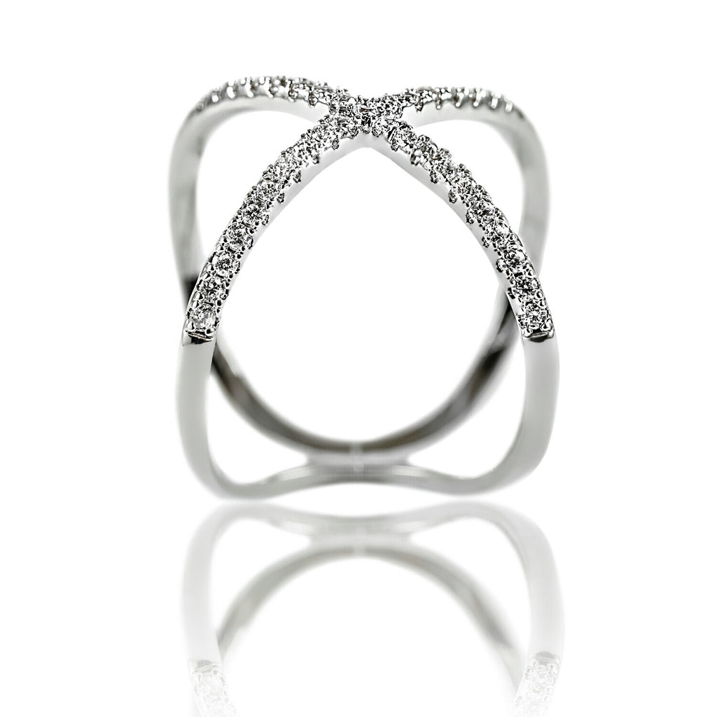 front view of Aurum Mod white gold-plated crossed ring