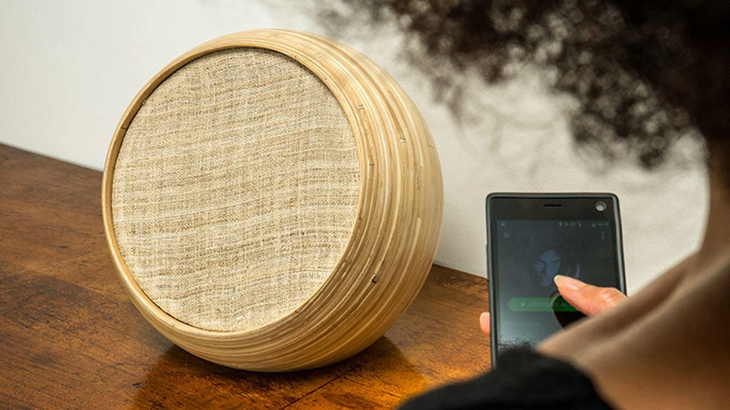 Hazang: Luxury Bamboo Speakers - Designclusive