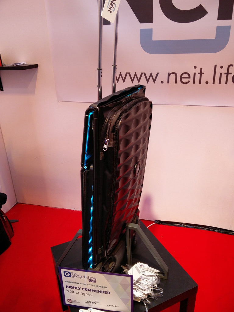 Néit - World's First Smart, Collapsible Hard Case Luggage