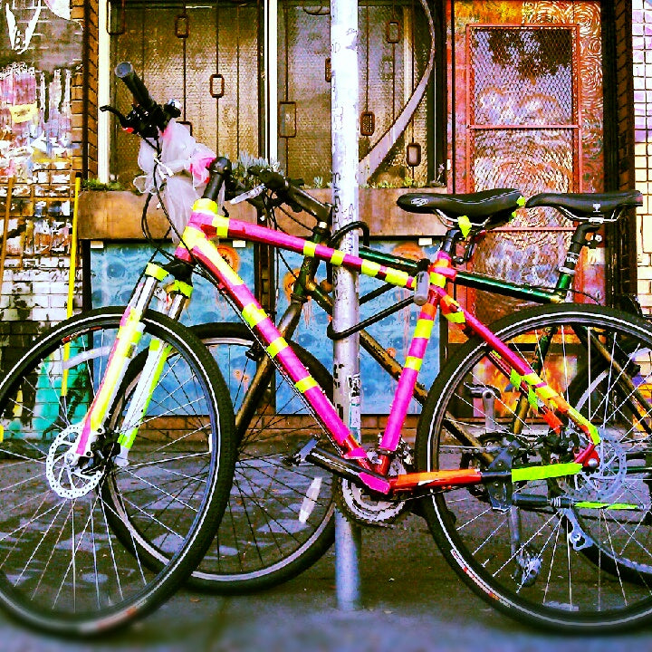 This bike is pretty: Neon