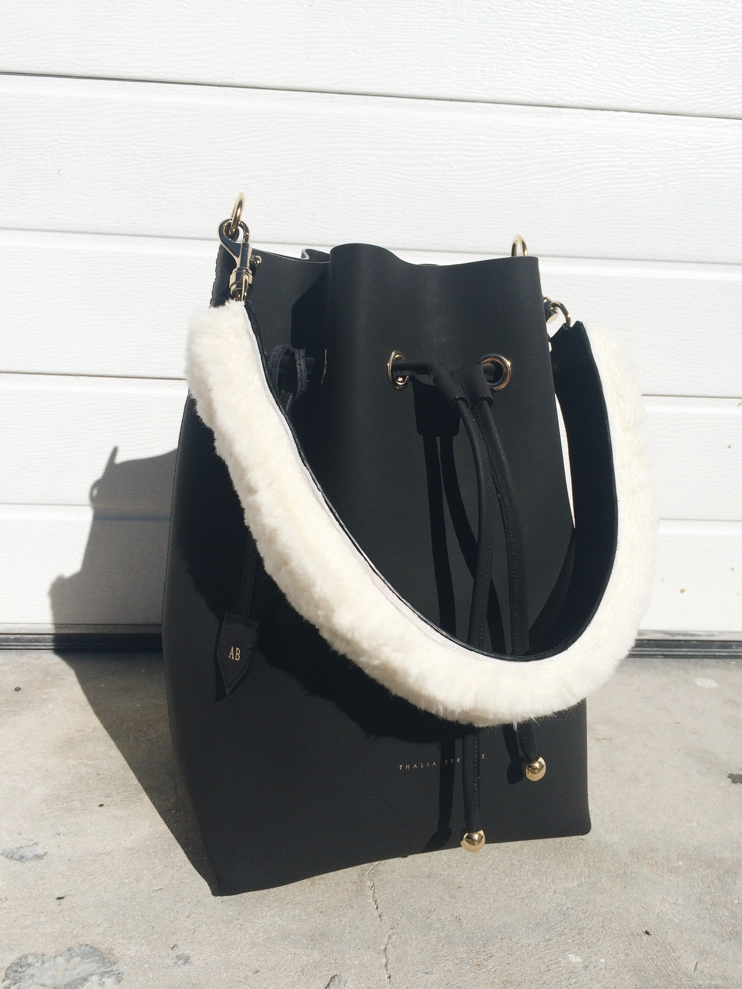 Bucket Leather Bag with fur strap
