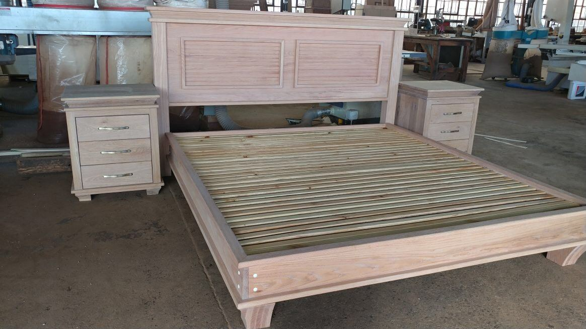 Oak Classic Style bed King size with rubio monocoat sealnt