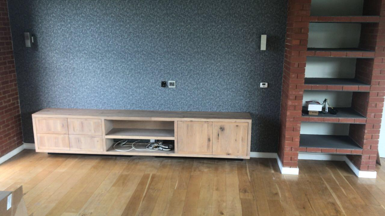 Custom made oak floating plasma