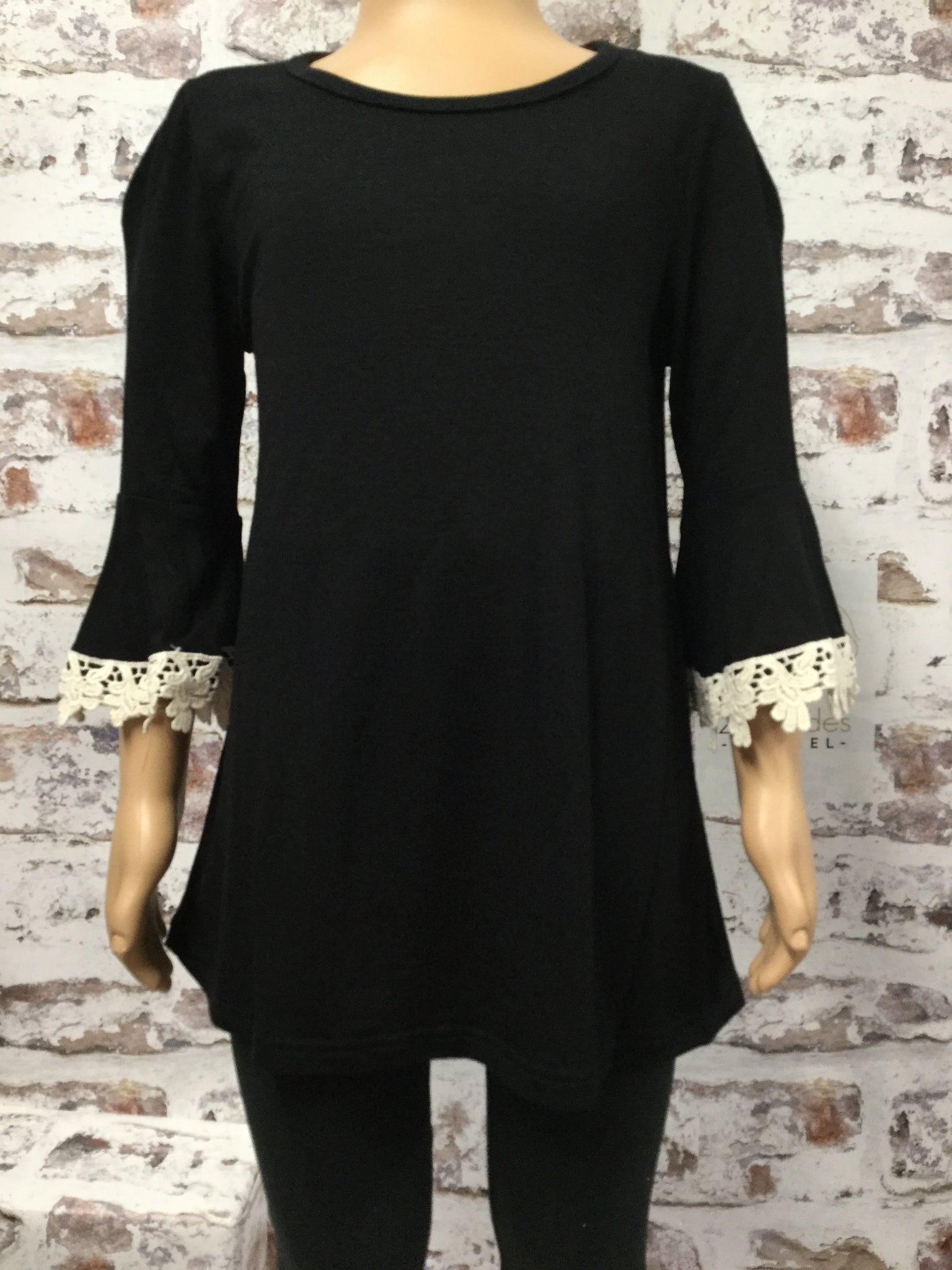 Girls 3/4 Length Crocheted Lace Sleeve Top