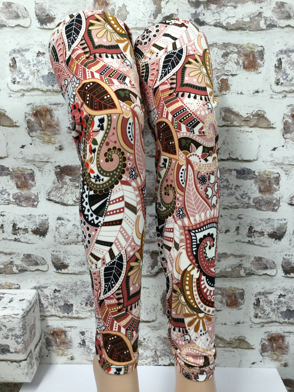 Extra Plus Pastel Paisley Printed Leggings