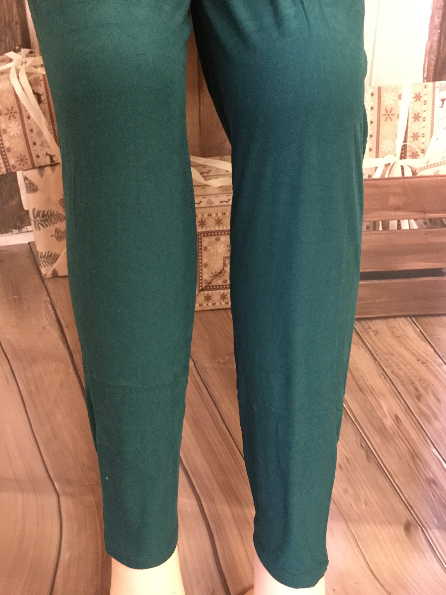 Extra Plus Solid Forest Green Leggings