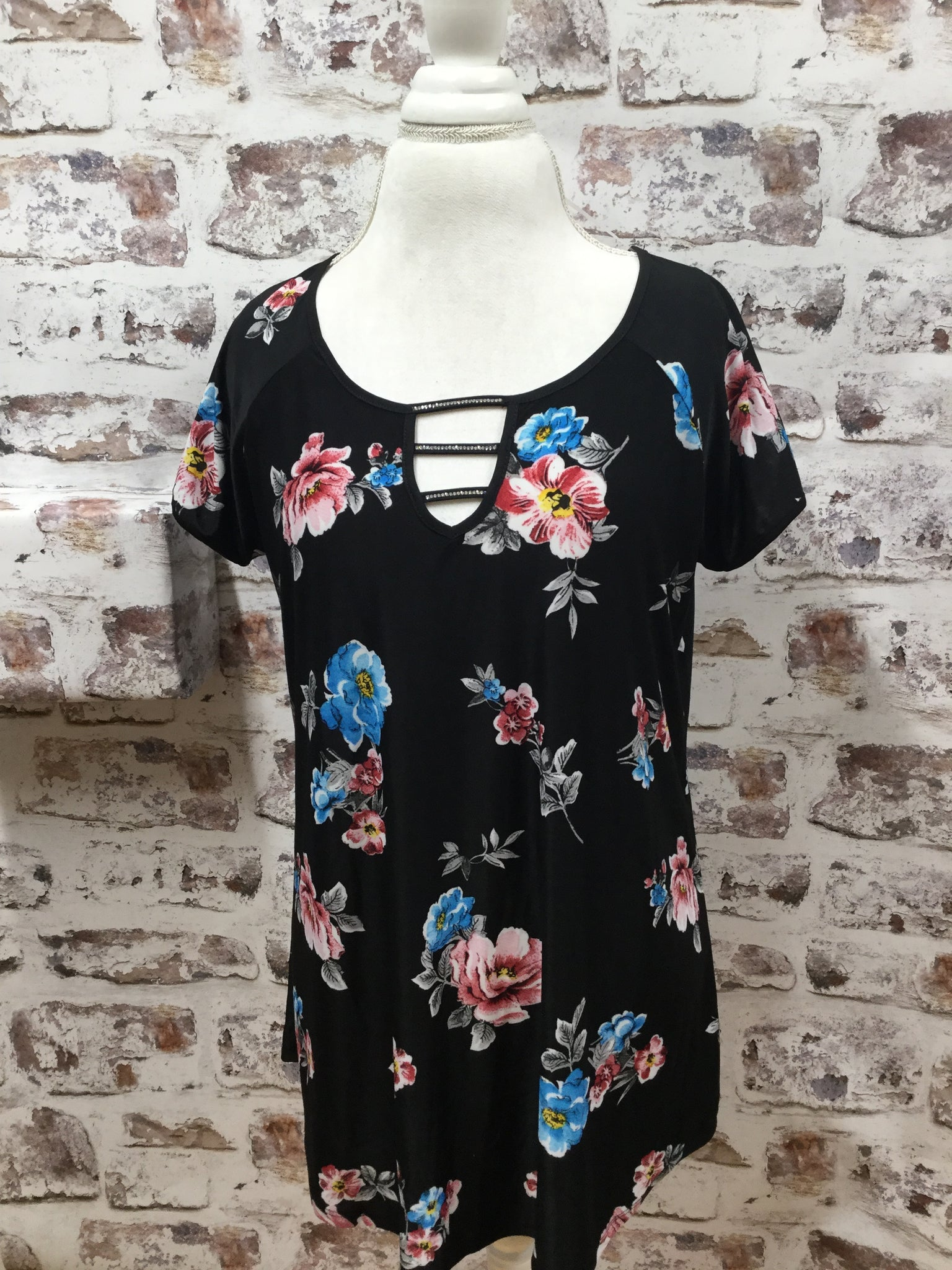 Plus Size Black Floral Print Tunic