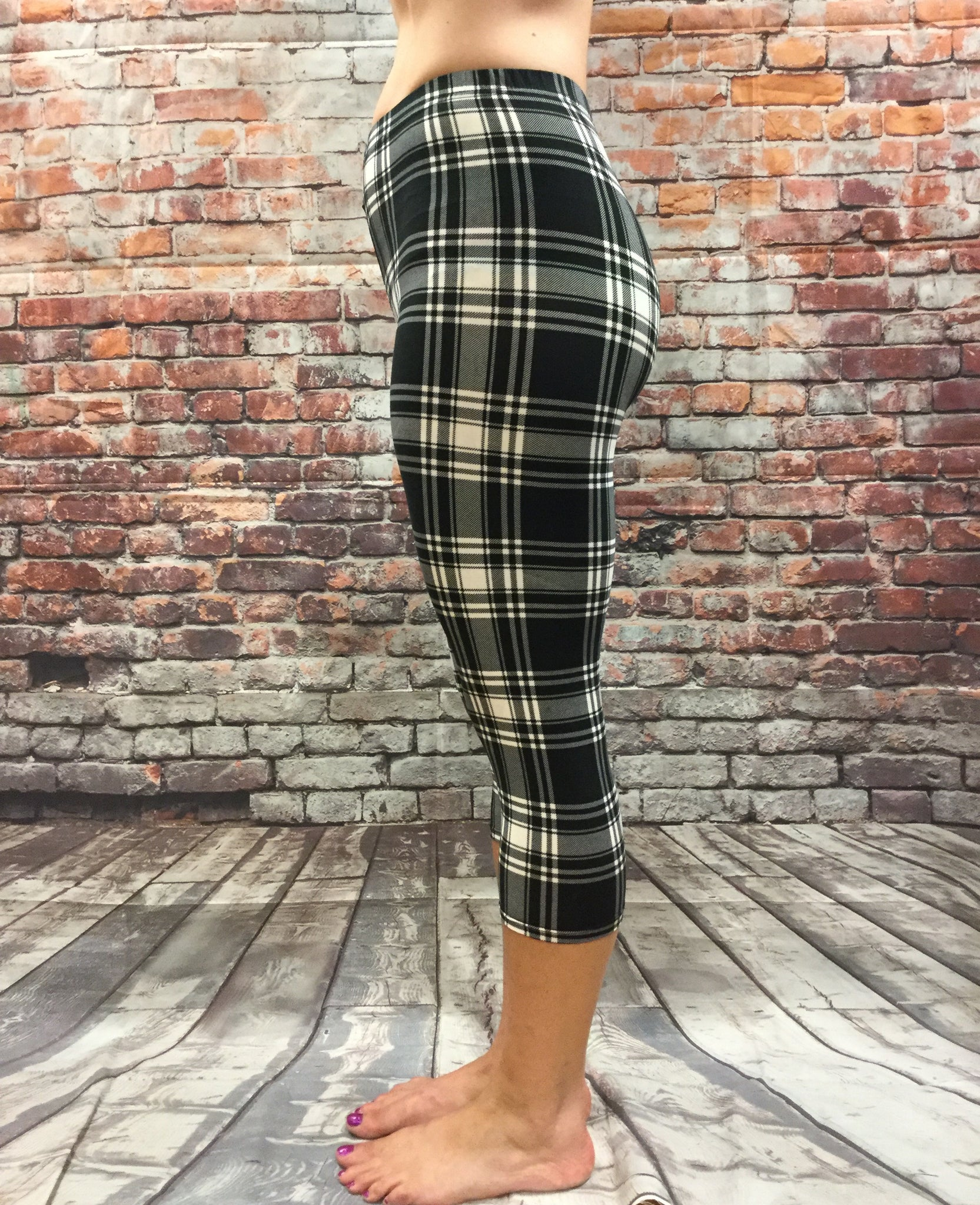 Black and White Plaid Capri