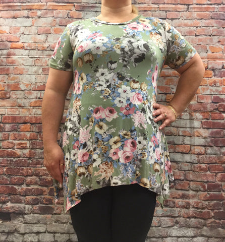 Plus Floral Top with Short Sleeves