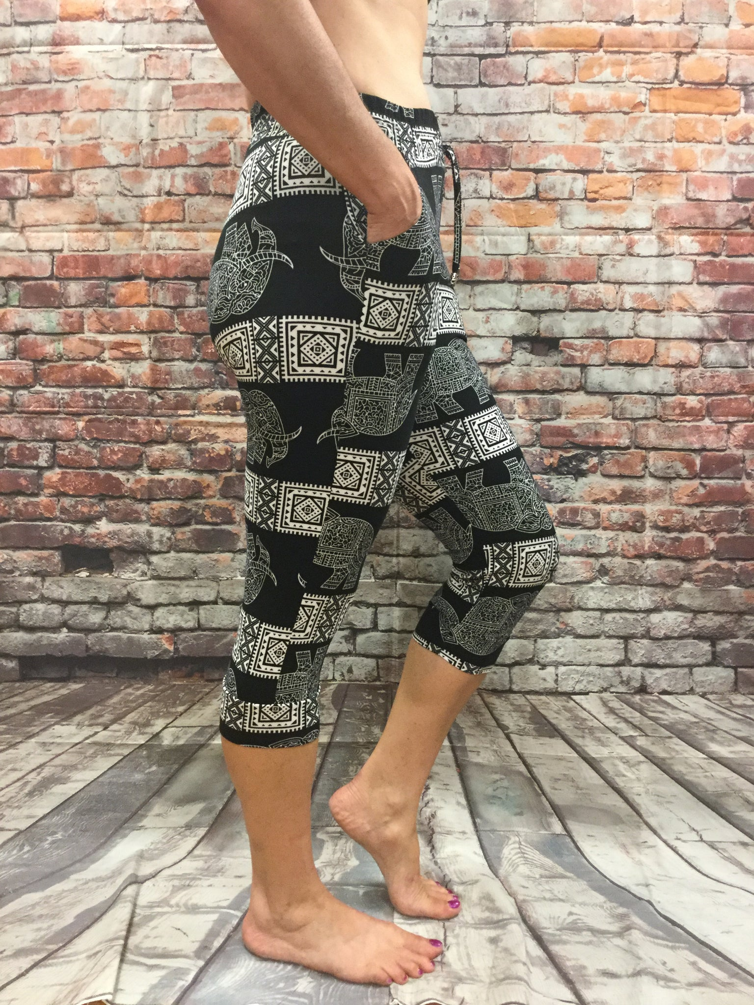 Black Elephant Capri  with Pockets