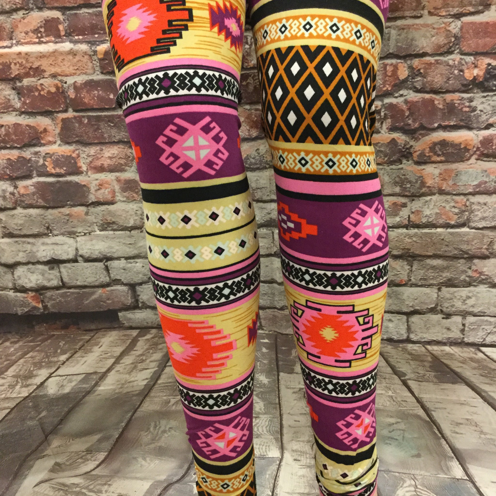 Tee Pee Smoke Pipe Printed Leggings
