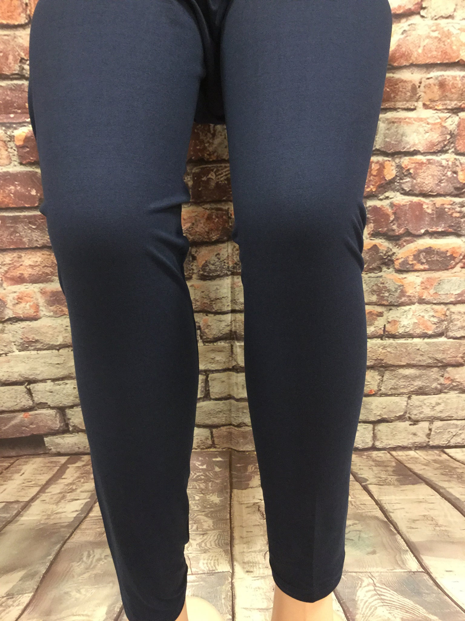 Extra Plus Solid Navy Leggings