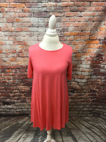 Short Sleeve Coral Swing Top