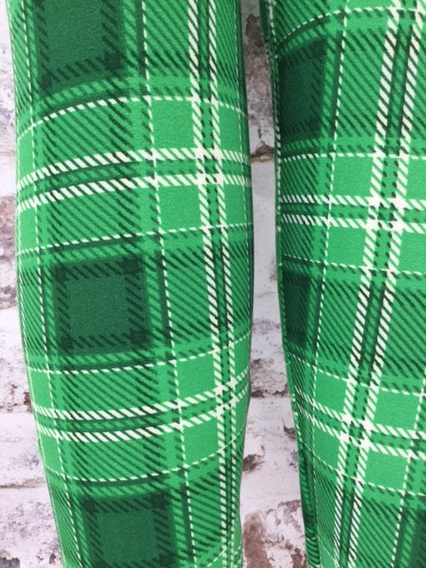 Extra Plus Lucky Girl Plaid Printed Leggings