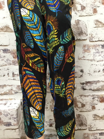 EXTRA Plus Glamour Feather Printed Leggings