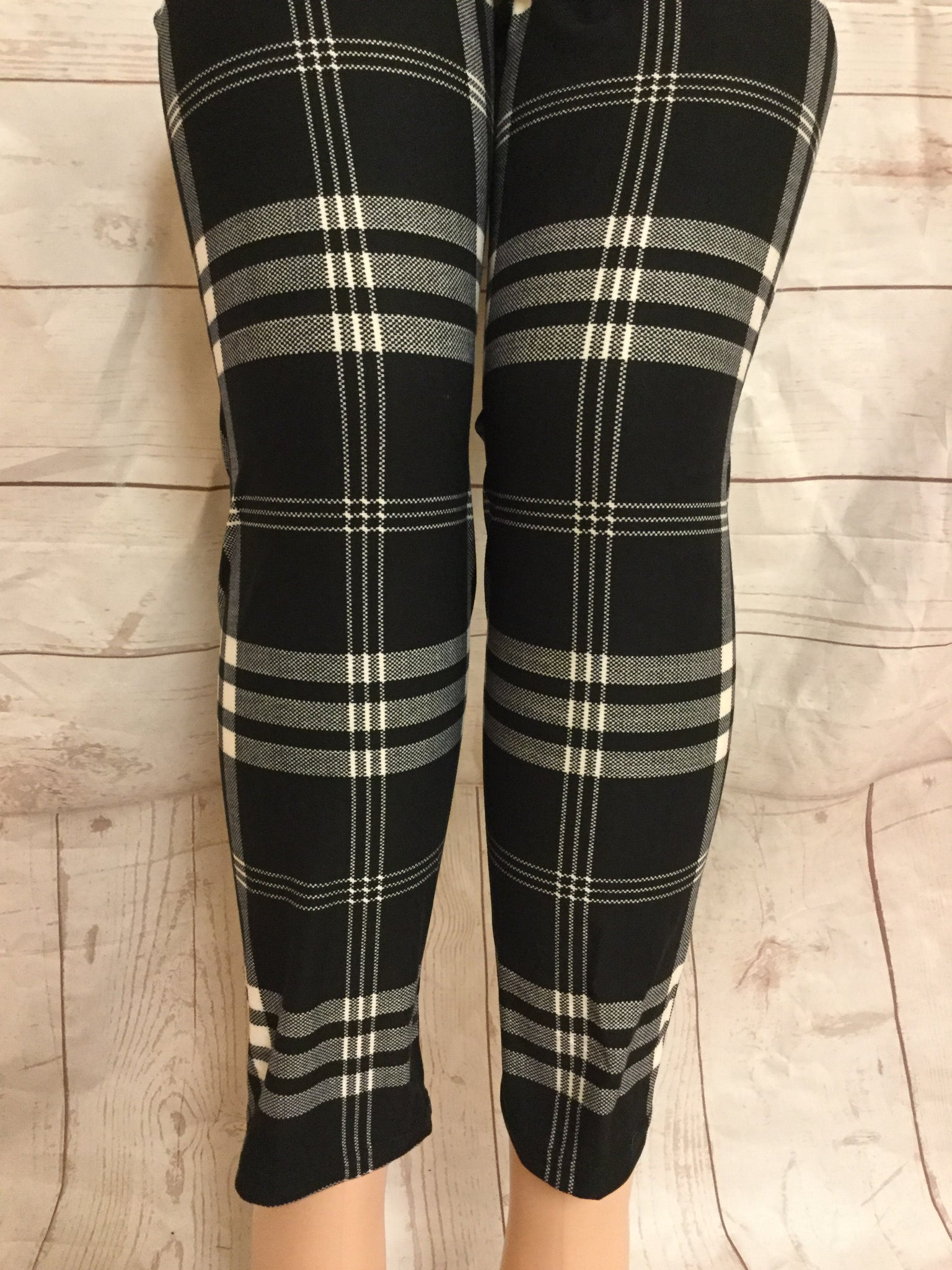 EXTRA PLUS Trending Plaid Leggings