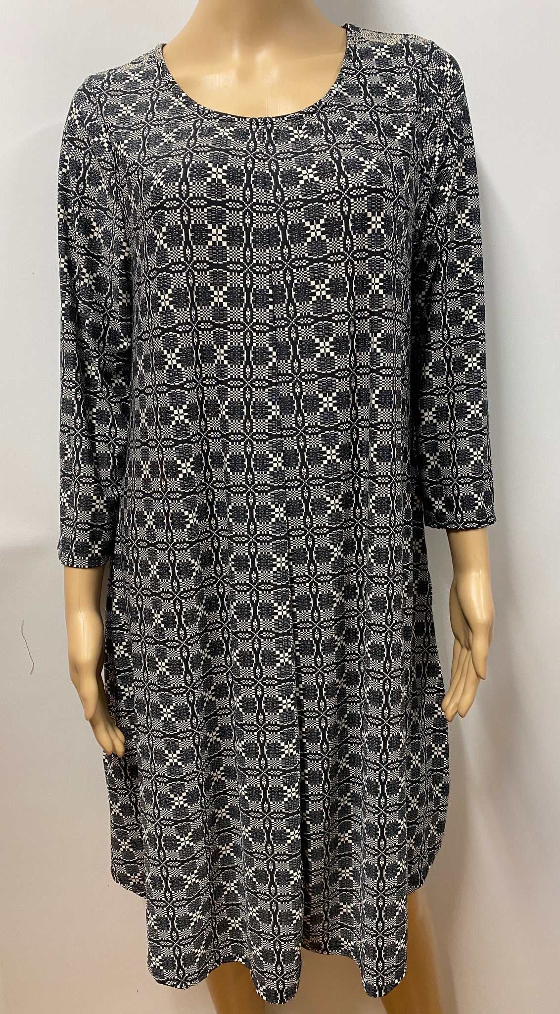 Printed Knee Length Dress with 3/4 Sleeves and Pockets