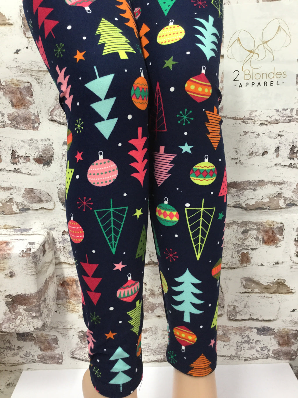Pick out A Christmas Tree Printed Leggings