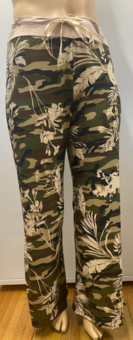 Plus Size Camo and Flowers Drawstring Pants
