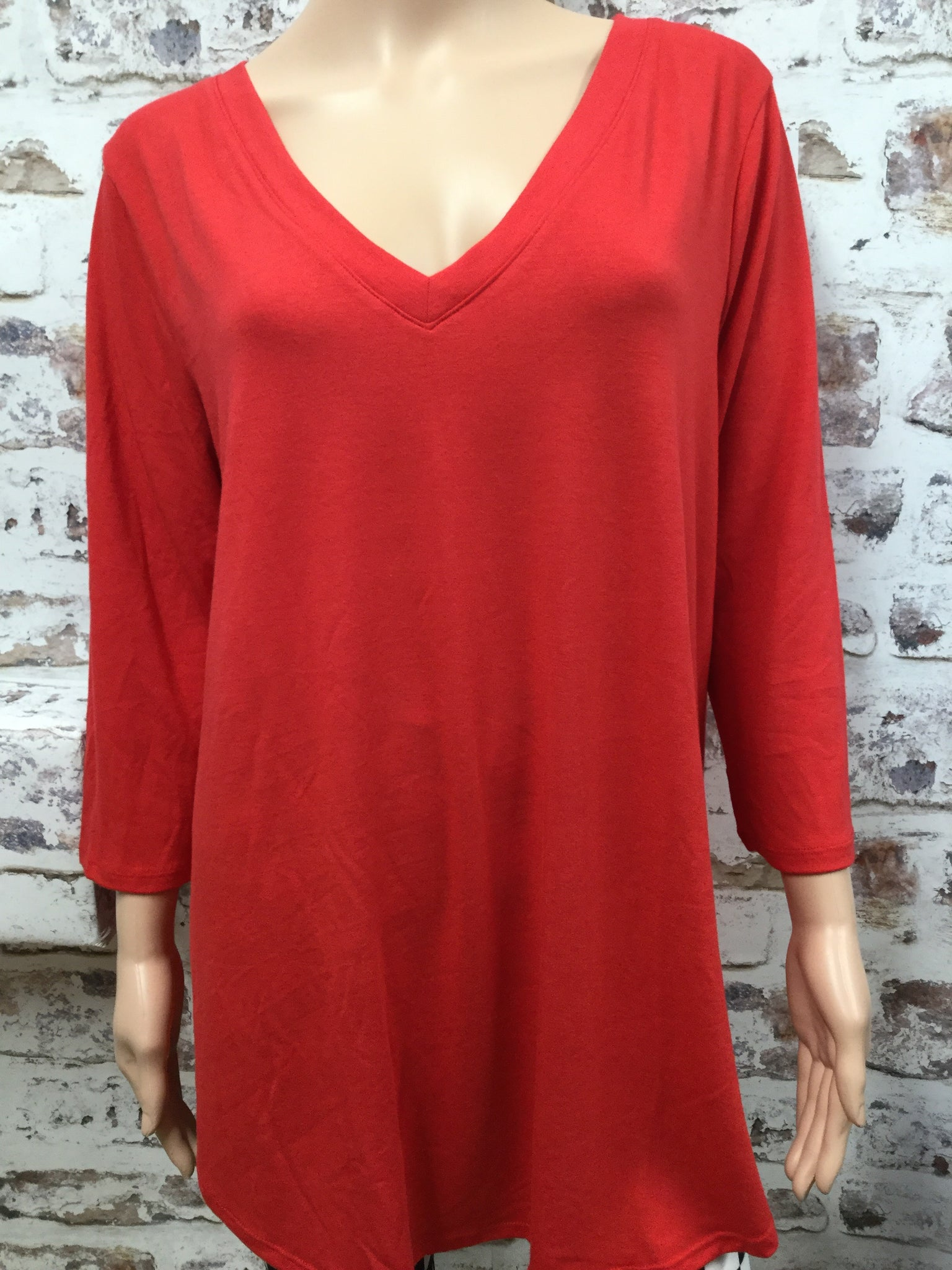 Red Extra Plus V Neck 3/4 Sleeve