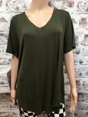 Plus Size Dark Olive  V Neck Hi-Low Short Sleeve Tunic
