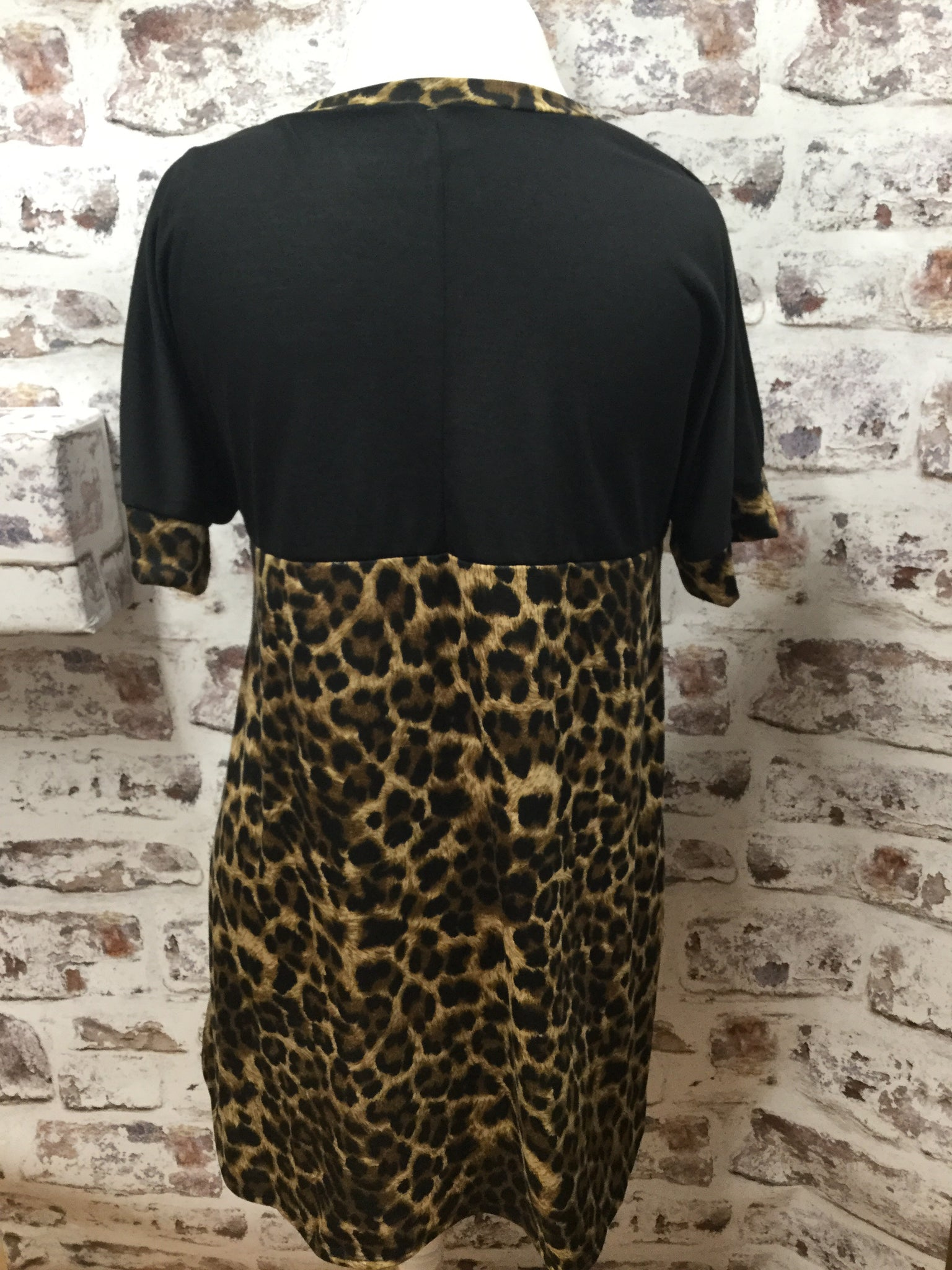 Two Sided Black and Animal Contrast Loose Fit Tunic