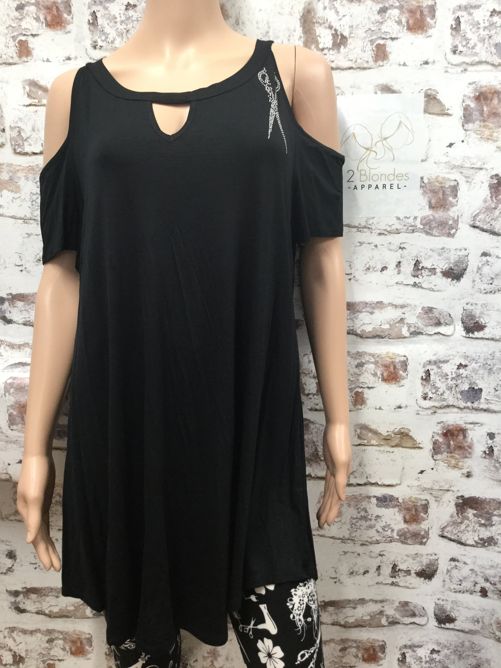 Black Cold Shoulder with Keyhole and Medium Size Scissor Top