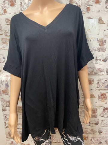 Plus Size Black V Neck Short Sleeve Top