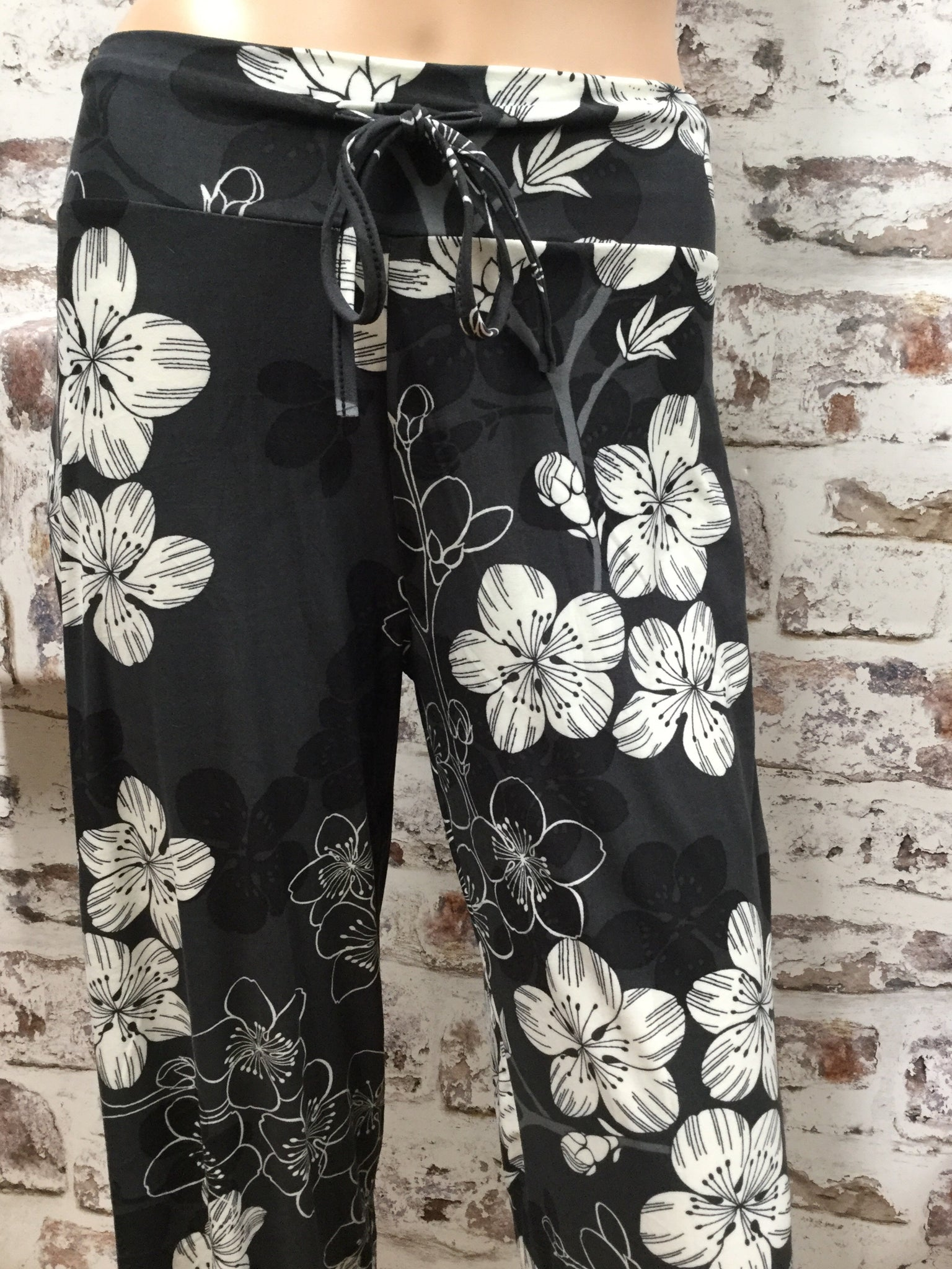 Draw String Flowered Print Pants
