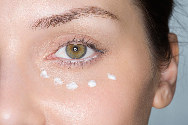 The Dos and Don'ts Of Applying Eye Cream