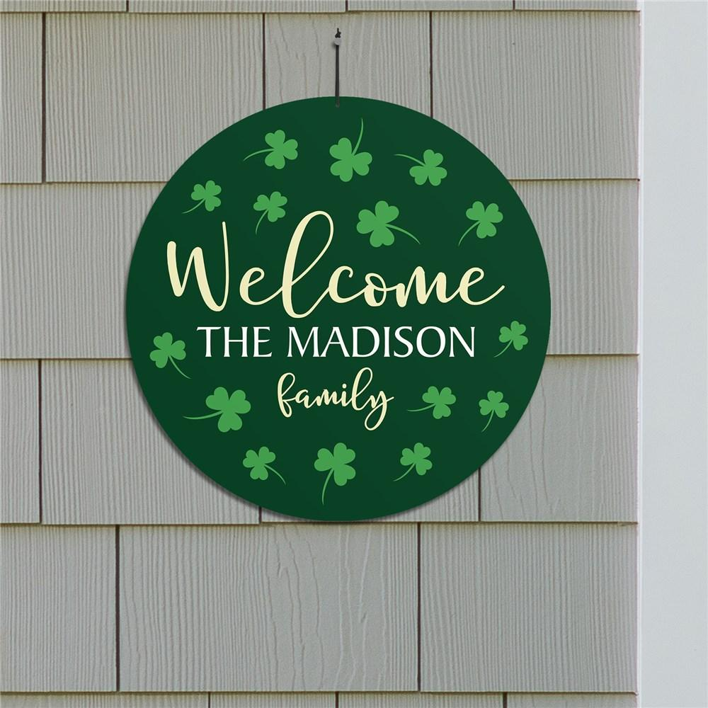 Personalized Welcome Shamrocks Round Sign