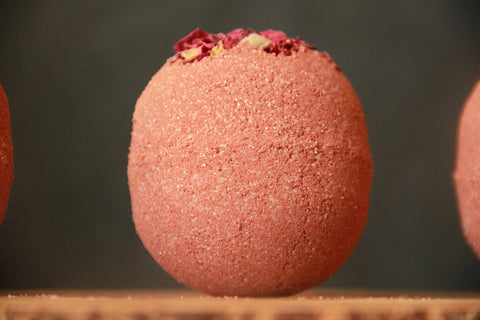 Bed of Roses, Nourishing Bath Bomb Wholesale 4pk