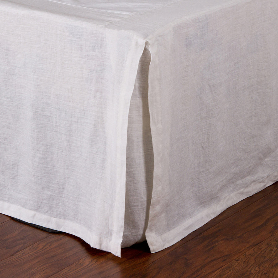 PLEATED LINEN BEDSKIRT - WHITE