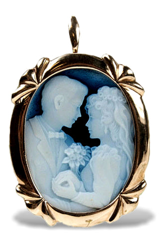 The Wedding, Bride and Groom Blue Agate Cameo Brooch in 14k Gold