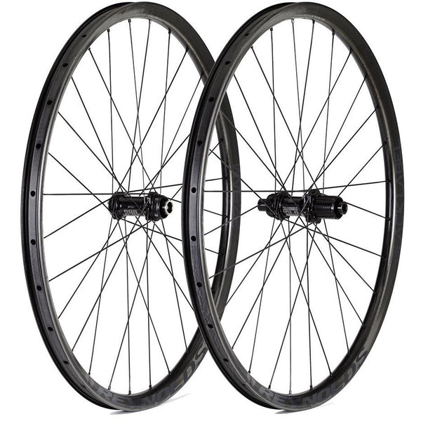 Reynolds Black Label 27.5 Enduro roues 150 arriere 20 avant