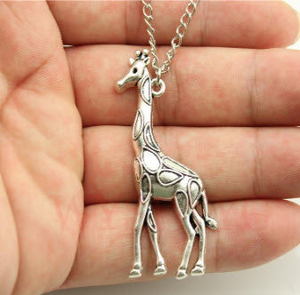 Fashion Antique Silver Tone Giraffe Pendant Necklace