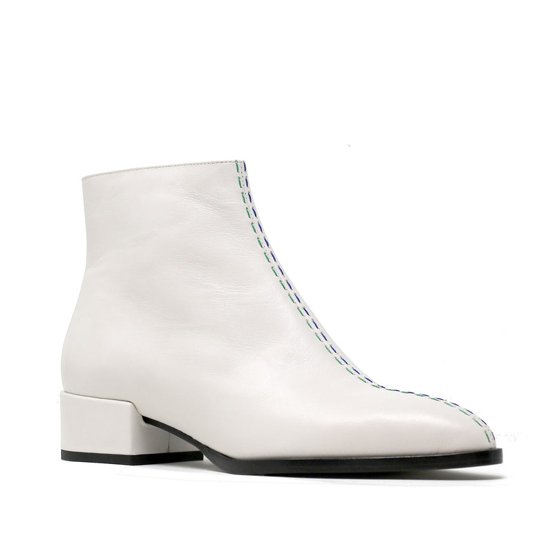 CASSIDY white leather