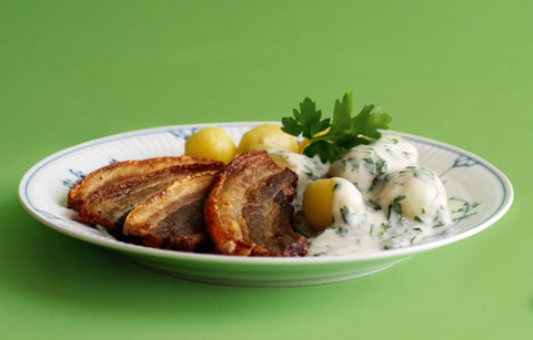 Stegt Flæsk med Persille sovs (Fried pork with parsley sauce)