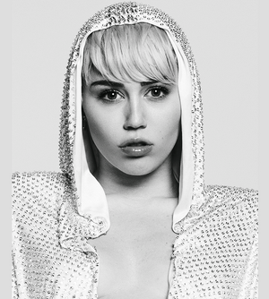 MILEY CYRUS ELLE PHOTOSHOOT