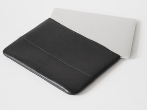 LAPTOP SLEEVE - CHRISTINA FISCHER