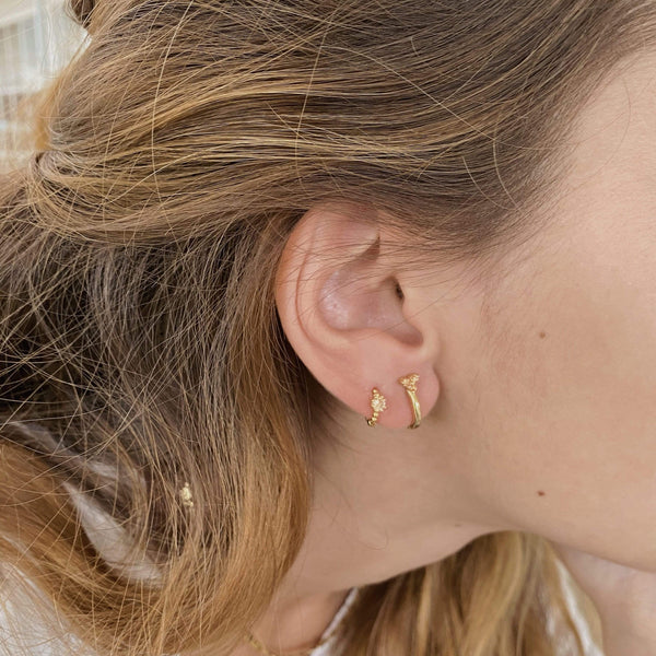 heylove PENDIENTES TRIPLE DOT HOOPS - CHAMPAGNE - ORO