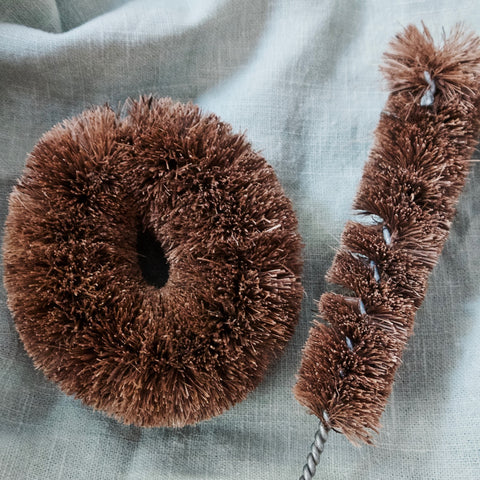COCONUT COIR BRUSHES