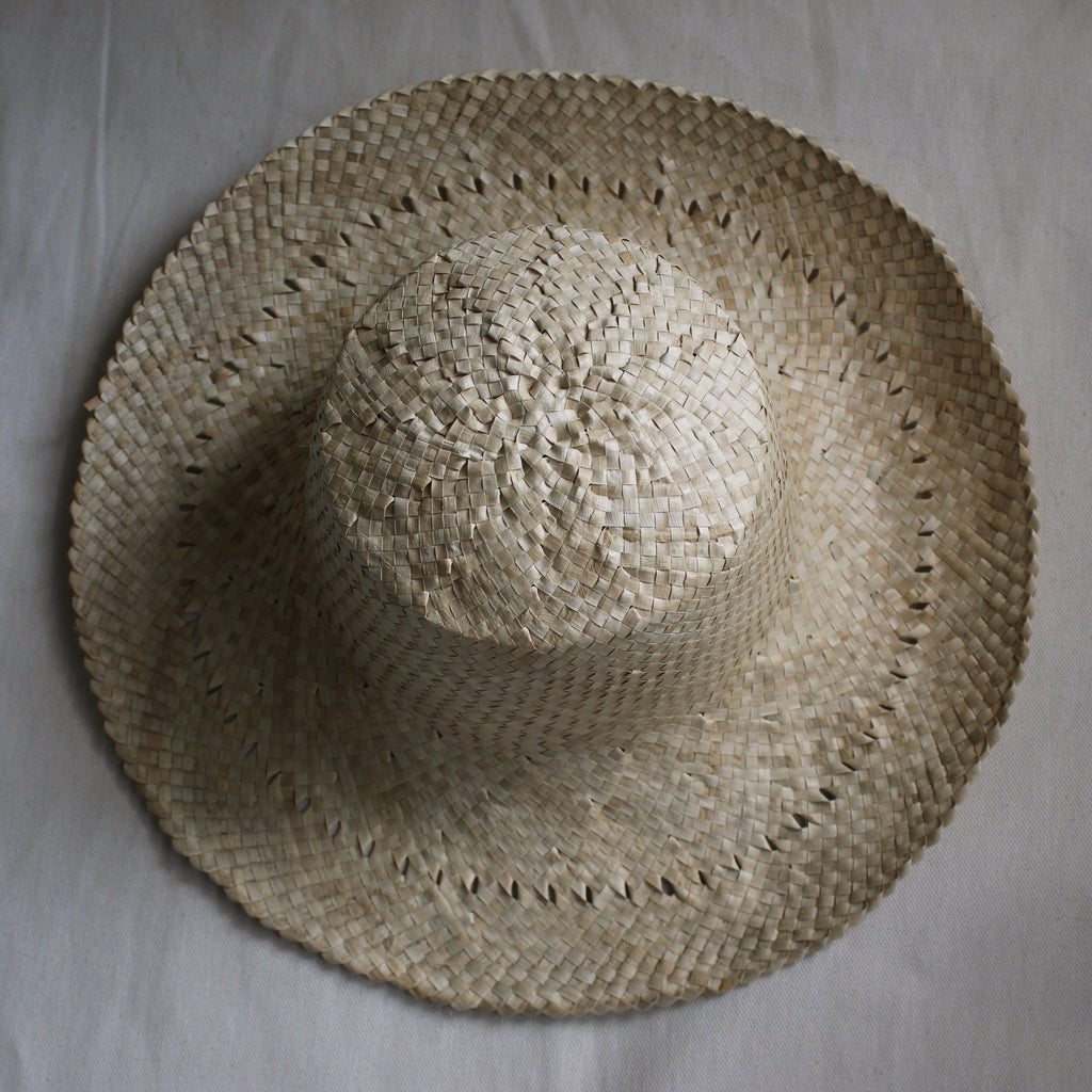 BURI HAT WITH PATTERN