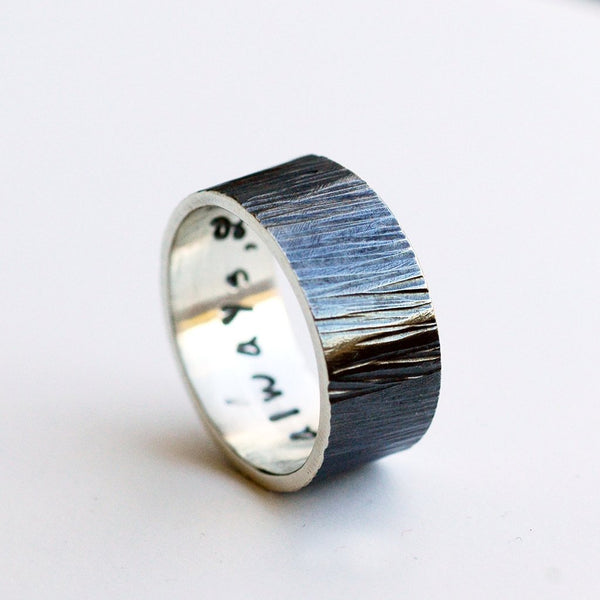mens wide woodgrain patterned wedding band