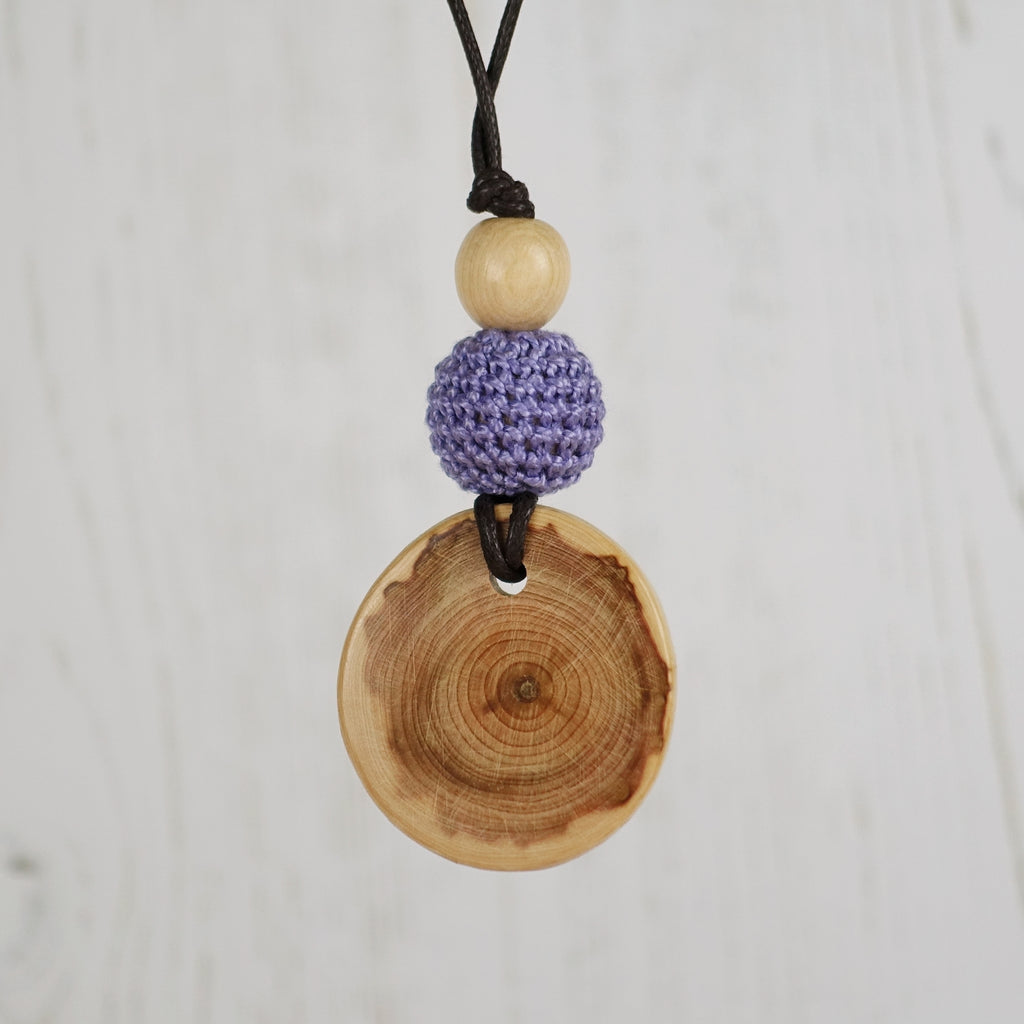 Monteverdi: Baroque Wooden Teething Necklace, Juniper