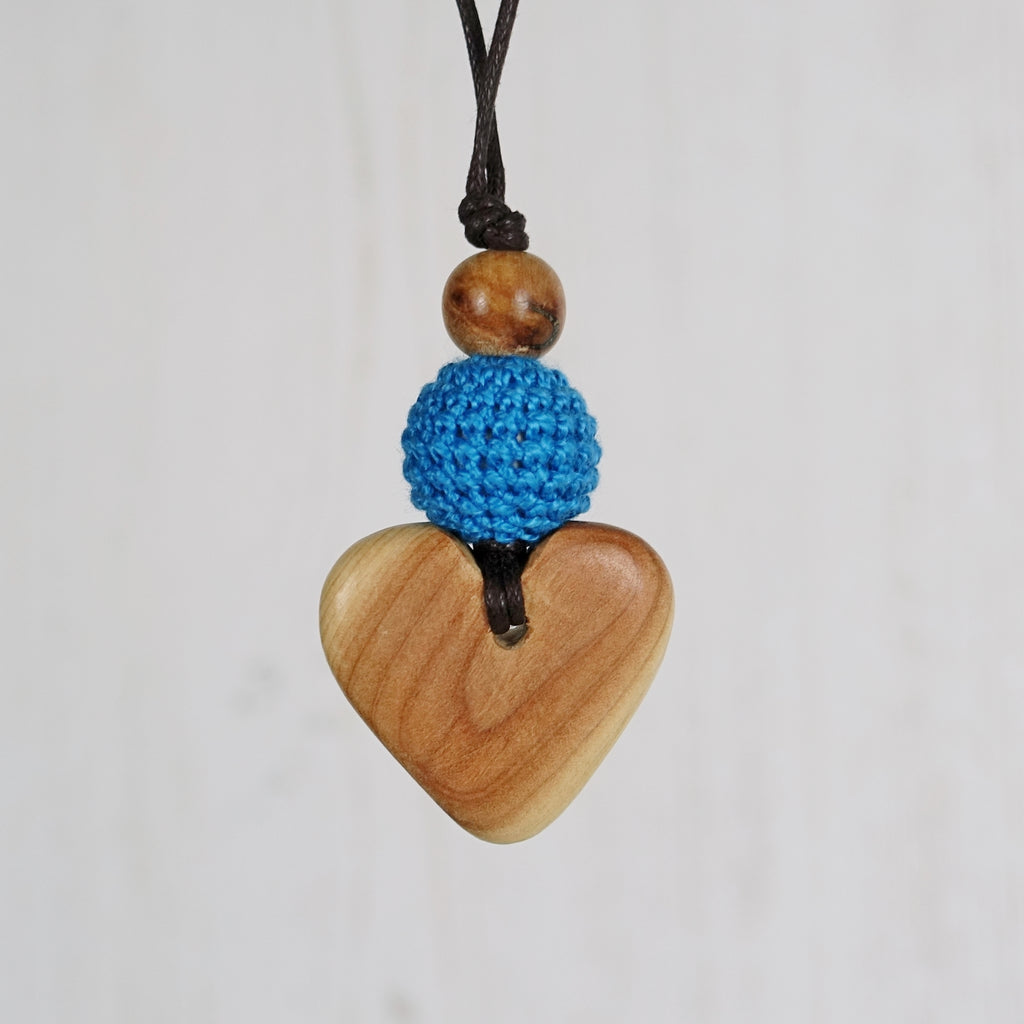 Handel: Baroque Wooden Teething Necklace, Juniper
